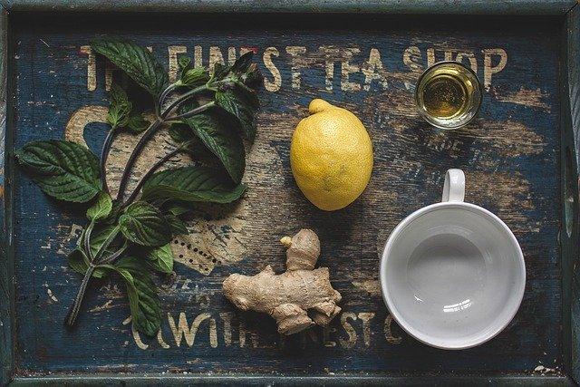 heißes Zitronenwasser